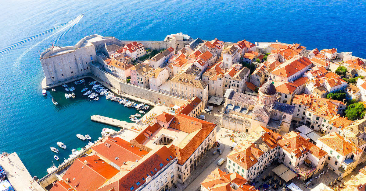 Dubrovnik guided tour by Rosy